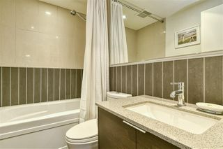 """Photo 17: 186 CHESTERFIELD Avenue in North Vancouver: Lower Lonsdale Townhouse for sale in """"Ventana"""" : MLS®# R2423323"""