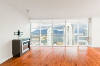 "Photo 6: 2102 1277 MELVILLE Street in Vancouver: Coal Harbour Condo for sale in ""FLAT IRON"" (Vancouver West)  : MLS®# R2445504"