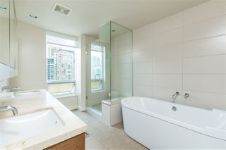 "Photo 15: 2102 1277 MELVILLE Street in Vancouver: Coal Harbour Condo for sale in ""FLAT IRON"" (Vancouver West)  : MLS®# R2445504"