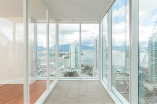 "Photo 12: 2102 1277 MELVILLE Street in Vancouver: Coal Harbour Condo for sale in ""FLAT IRON"" (Vancouver West)  : MLS®# R2445504"