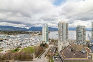 "Photo 4: 2102 1277 MELVILLE Street in Vancouver: Coal Harbour Condo for sale in ""FLAT IRON"" (Vancouver West)  : MLS®# R2445504"