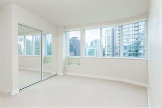 "Photo 13: 2102 1277 MELVILLE Street in Vancouver: Coal Harbour Condo for sale in ""FLAT IRON"" (Vancouver West)  : MLS®# R2445504"