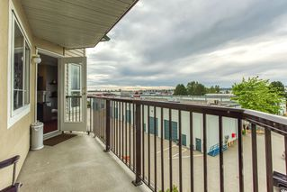 "Photo 13: 412 5759 GLOVER Road in Langley: Langley City Condo for sale in ""College Court"" : MLS®# R2489304"