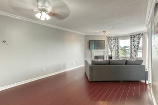 "Photo 5: 412 5759 GLOVER Road in Langley: Langley City Condo for sale in ""College Court"" : MLS®# R2489304"