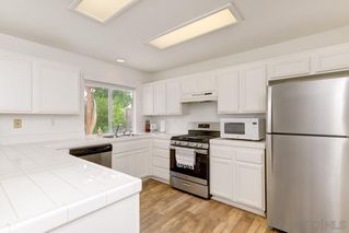 Photo 8: OCEANSIDE House for sale : 4 bedrooms : 1292 Cottonwood Drive
