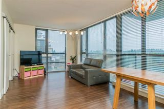 Photo 3: 1002 258 SIXTH Street in New Westminster: Uptown NW Condo for sale : MLS®# R2403900