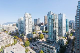 "Photo 12: 2303 928 HOMER Street in Vancouver: Yaletown Condo for sale in ""YALETOWN PARK I"" (Vancouver West)  : MLS®# R2404226"