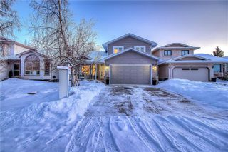 Photo 1: 36 SUNVISTA Place SE in Calgary: Sundance Detached for sale : MLS®# C4267095