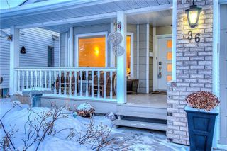 Photo 3: 36 SUNVISTA Place SE in Calgary: Sundance Detached for sale : MLS®# C4267095
