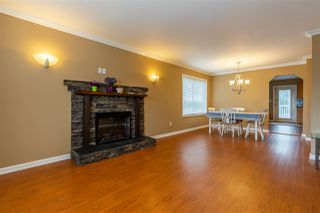 Photo 3: 8462 JENNINGS Street in Mission: Mission BC House for sale : MLS®# R2410781