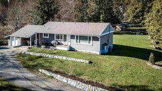 Photo 2: 9553 285 Street in Maple Ridge: Whonnock House for sale : MLS®# R2463336