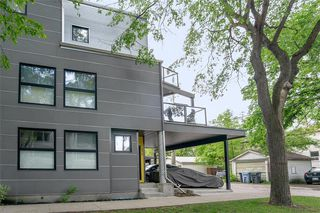 Photo 3: 3 279 Hugo Street in Winnipeg: Crescentwood Condominium for sale (1B)  : MLS®# 202013208