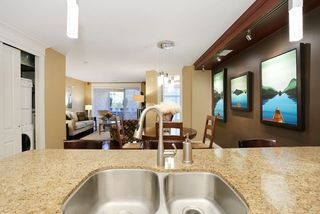 Photo 12: 207 15164 PROSPECT AVENUE: White Rock Home for sale ()  : MLS®# R2032759