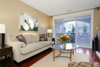 Photo 2: 207 15164 PROSPECT AVENUE: White Rock Home for sale ()  : MLS®# R2032759