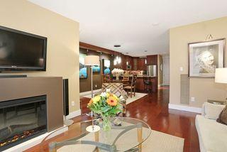 Photo 4: 207 15164 PROSPECT AVENUE: White Rock Home for sale ()  : MLS®# R2032759