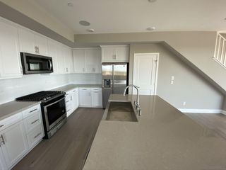 Photo 6: MISSION VALLEY Townhome for sale : 4 bedrooms : 2725 Via Alta Place in San Diego
