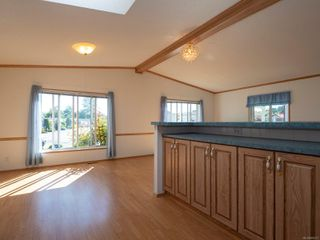 Photo 5: 1904 Valley Oak Dr in : Na University District Manufactured Home for sale (Nanaimo)  : MLS®# 859217