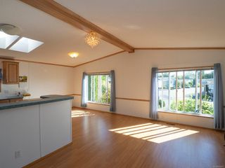 Photo 6: 1904 Valley Oak Dr in : Na University District Manufactured Home for sale (Nanaimo)  : MLS®# 859217