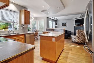 """Photo 7: 16872 60A Avenue in Surrey: Cloverdale BC House for sale in """"Parkview Terrace"""" (Cloverdale)  : MLS®# R2520612"""
