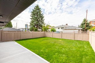 Photo 3: 7523 16TH Avenue in Burnaby: Edmonds BE House 1/2 Duplex for sale (Burnaby East)  : MLS®# R2396878