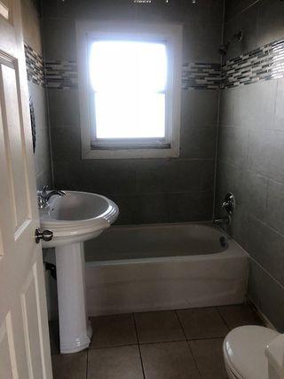 Photo 4: 15910 100 Avenue in Edmonton: Zone 22 House for sale : MLS®# E4169874