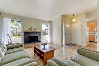 Photo 5: 100 WOODBINE Boulevard SW in Calgary: Woodbine Detached for sale : MLS®# C4264383