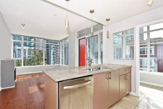 Photo 1: 602 1211 MELVILLE Street in Vancouver: Coal Harbour Condo for sale (Vancouver West)  : MLS®# R2410173