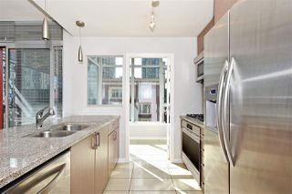 Photo 6: 602 1211 MELVILLE Street in Vancouver: Coal Harbour Condo for sale (Vancouver West)  : MLS®# R2410173