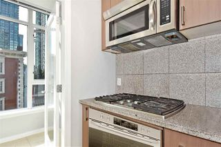 Photo 7: 602 1211 MELVILLE Street in Vancouver: Coal Harbour Condo for sale (Vancouver West)  : MLS®# R2410173