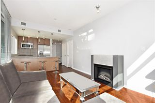 Photo 4: 602 1211 MELVILLE Street in Vancouver: Coal Harbour Condo for sale (Vancouver West)  : MLS®# R2410173