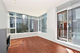 Photo 2: 602 1211 MELVILLE Street in Vancouver: Coal Harbour Condo for sale (Vancouver West)  : MLS®# R2410173