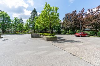 "Photo 29: 906 15038 101 Avenue in Surrey: Guildford Condo for sale in ""GUILDFORD MARQUI"" (North Surrey)  : MLS®# R2459820"