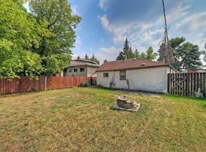 Photo 7: 2126 52 Avenue SW in Calgary: North Glenmore Park Detached for sale : MLS®# C4304825