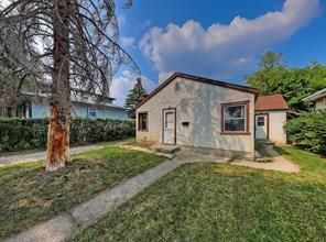 Photo 3: 2126 52 Avenue SW in Calgary: North Glenmore Park Detached for sale : MLS®# C4304825