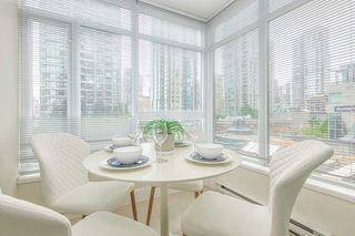 "Photo 8: 512 888 HOMER Street in Vancouver: Downtown VW Condo for sale in ""THE BEASLEY"" (Vancouver West)  : MLS®# R2470290"
