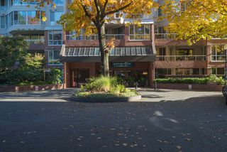 Photo 1: 213 518 MOBERLY ROAD in Vancouver: False Creek Condo for sale (Vancouver West)  : MLS®# R2116693