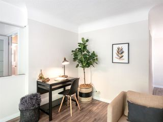 Photo 4: 4975 CHESTER Street in Vancouver: Fraser VE House for sale (Vancouver East)  : MLS®# R2398757