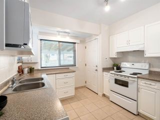Photo 9: 4975 CHESTER Street in Vancouver: Fraser VE House for sale (Vancouver East)  : MLS®# R2398757
