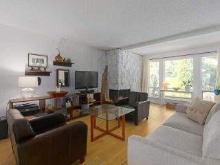 Photo 2: 9481 SNOWBERRY COURT in Burnaby: Forest Hills BN Townhouse for sale (Burnaby North)  : MLS®# R2386695