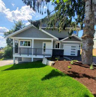 Photo 1: 2 7431 JAMES Street in Mission: Mission BC 1/2 Duplex for sale : MLS®# R2479507