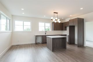 Photo 4: 2 7431 JAMES Street in Mission: Mission BC 1/2 Duplex for sale : MLS®# R2479507