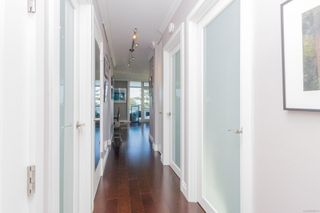Photo 2: 1003 250 Douglas St in : Vi James Bay Condo for sale (Victoria)  : MLS®# 859211