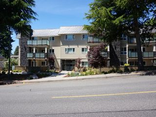 "Main Photo: 206 1371 FOSTER Street: White Rock Condo for sale in ""KENT MANOR"" (South Surrey White Rock)  : MLS®# R2529801"