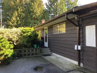 "Photo 3: 5864 WHITCOMB Place in Delta: Beach Grove House for sale in ""BEACH GROVE"" (Tsawwassen)  : MLS®# R2405079"