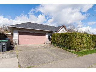 Photo 2: 6509 188TH STREET in Surrey: Cloverdale BC House for sale (Cloverdale)  : MLS®# R2053566