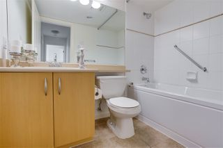 """Photo 15: 1703 720 HAMILTON Avenue in New Westminster: Uptown NW Condo for sale in """"Generations"""" : MLS®# R2447209"""
