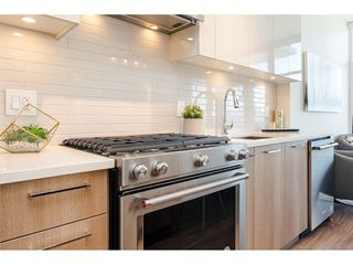 """Photo 8: 2404 258 NELSON'S Court in New Westminster: Sapperton Condo for sale in """"THE COLUMBIA AT BREWERY DISTRICT"""" : MLS®# R2502597"""