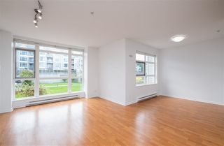 """Photo 7: 201 3142 ST JOHNS Street in Port Moody: Port Moody Centre Condo for sale in """"SONRISA"""" : MLS®# R2504116"""