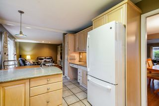 Photo 9: 3369 OSBORNE Street in Port Coquitlam: Woodland Acres PQ House for sale : MLS®# R2528437