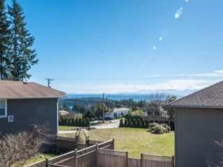 Photo 13: 5560 WINTER ROAD in Sunshine Coast: Home for sale : MLS®# R2248190